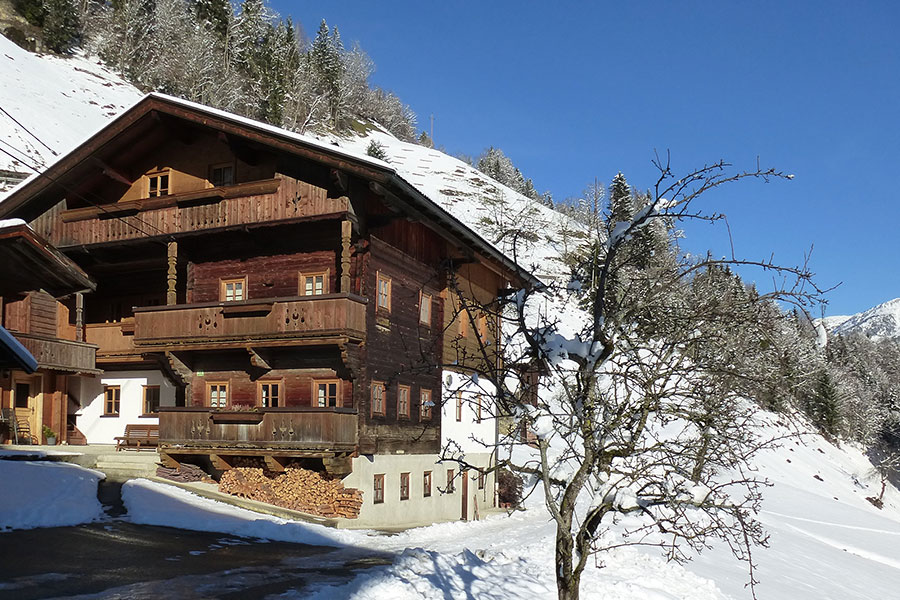 haus aussen winter gross